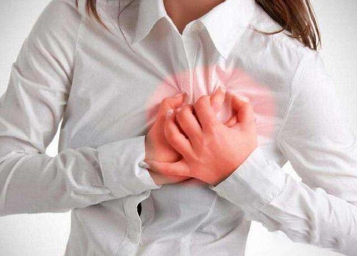 排卵期的症状可以表现到乳房