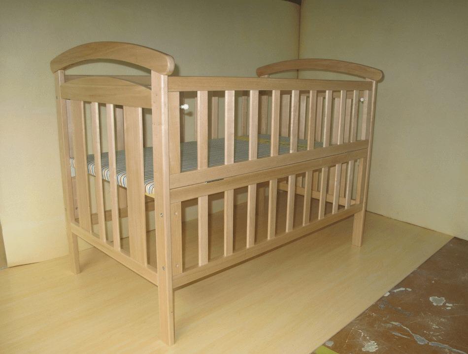 婴儿床高出床垫50cm是最合适的