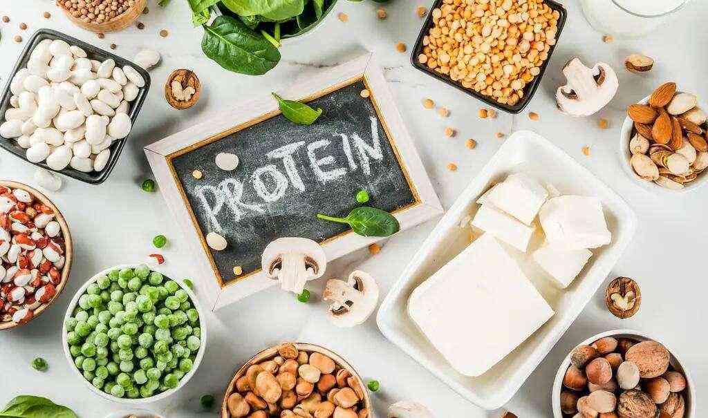 移植后14天内宜吃蔬菜和富含蛋白质的食物